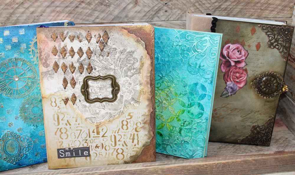carnet vintage décoré et réalisé à la main